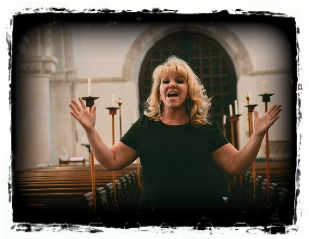 Professional Funeral Singer Hertfordshire, Greater London